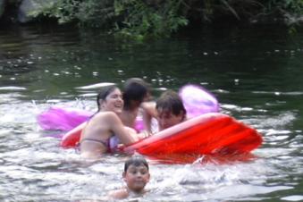 camping-rio-luna-piscina_merendero4