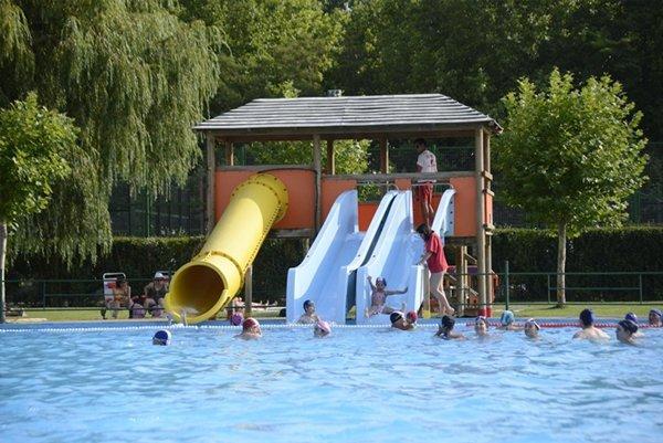 piscina-camping-sahagun