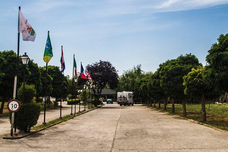 entrada-camping-don-quijote